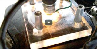Transparenter Zylinderkopf Davon haben sicher schon viele Rollerfahrer getr?umt: ein Zylinderkopf, der den Verbrennungsprozess des 2-Takt-Gemischs zeigt.