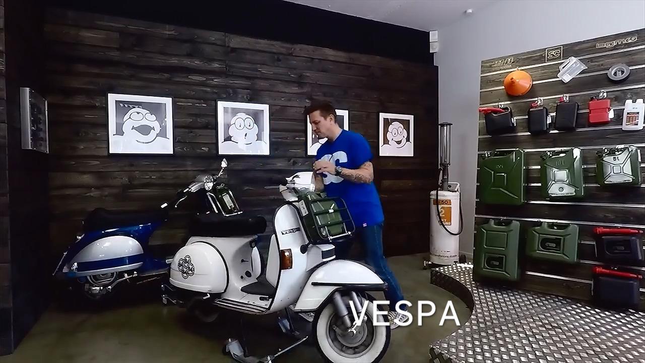 Roller Rangierhilfe mit weißer Vespa PX