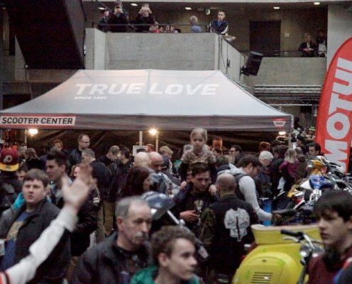 Viele Besucher und nette Leute - Szene-Treff Scooter Customshow Köln