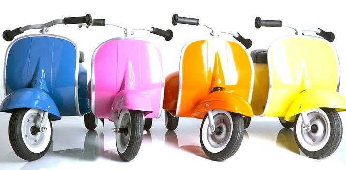 Kinder Vespa Tretroller in 4 Farben erhältlich