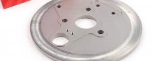 Bremsankerplatte_hinten_CNC_Aluminium_CMD_Little_Kong_Vespa_V50_50N_PV125_ET3_CMDLK0010PV_2_