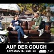 Auf der Couch beim Scooter Center. Ein Interview Julia Spitznas